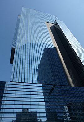 ソウル市内にあるサムスン電子本社ビル。大きな高層ビルである